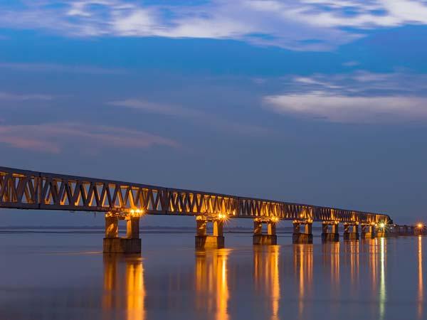ఇండియాలో మరో అధ్భుతానికి తెరదించనున్న రోడ్లు మరియు రైల్వే విభాగం