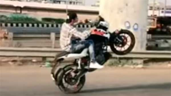 ఎంత విడ్డురం...2017 లో బైక్ స్టంట్ చేస్తే 2019 లో అరెస్ట్ చేశారట !