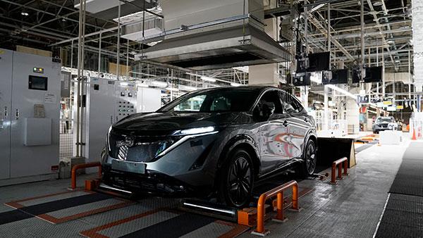 కార్ల ఉత్పత్తిని తగ్గించనున్న Nissan.. పెరగనున్న వెయిటింగ్ పీరియడ్..