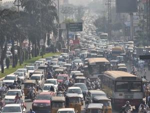 అసెంబ్లీ ముట్టడి; హైదరాబాద్లో ట్రాఫిక్ ఇక్కట్లు