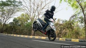 అప్రిలియా ఎస్ఆర్ 125 రివ్యూ: ప్రతి స్పోర్టివ్ రైడర్ స్కూటర్