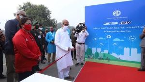 ఆగ్రాలో ఫాస్ట్ ఛార్జర్ స్టేషన్ను ఏర్పాటు చేసిన ఎంజి మోటార్స్