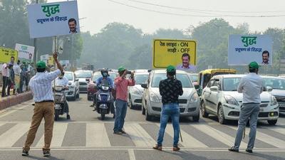 'రెడ్ లైట్ ఆన్ - గాడి ఆఫ్' ప్రారంభించిన ఢిల్లీ ప్రభుత్వం
