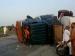 లీక్ అవుతున్న పెట్రోల్ కోసం వెళ్లి 150 మందికి పైగా మృత్యువాత